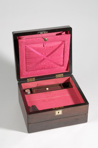 1918-03-43 (writing box det-1)